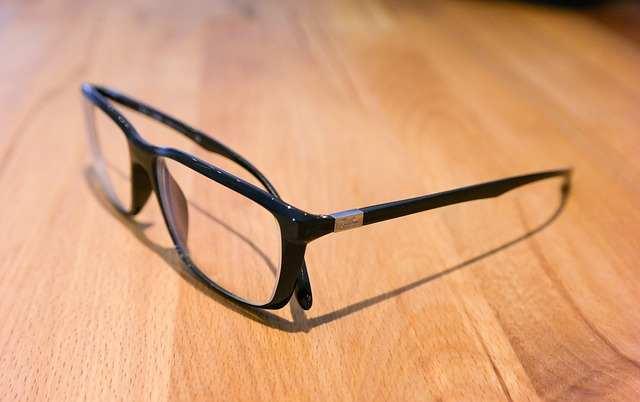 glasses-543117